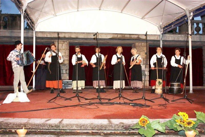 5. Grajskega večera 2010: V ribniškem Gradu je odmevala ljudska pesem